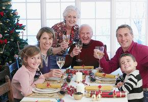 Веселые семейные праздники: советы от эксперта