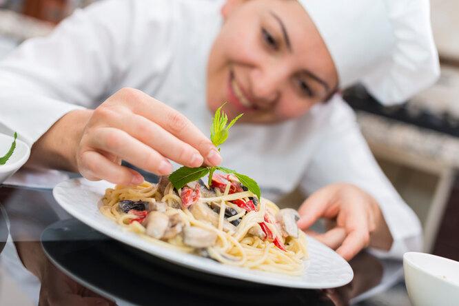 Вы будете всегда вкусно готовить: 10 вещей, которым учат вкулинарной школе