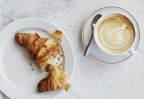 Ученые выяснили: кофе помогает не поправиться на карантине