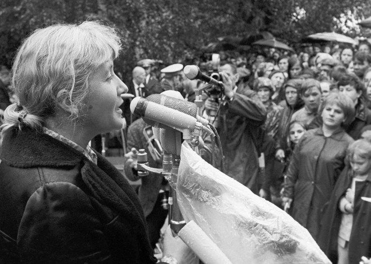 Поэтесса Юлия Друнина читает свои стихи