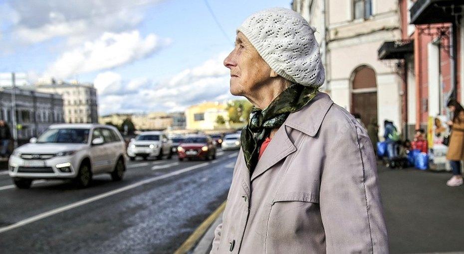 Пенсионерка подарила новосибирскому министру набор измыла, веревки исоли за89 рублей