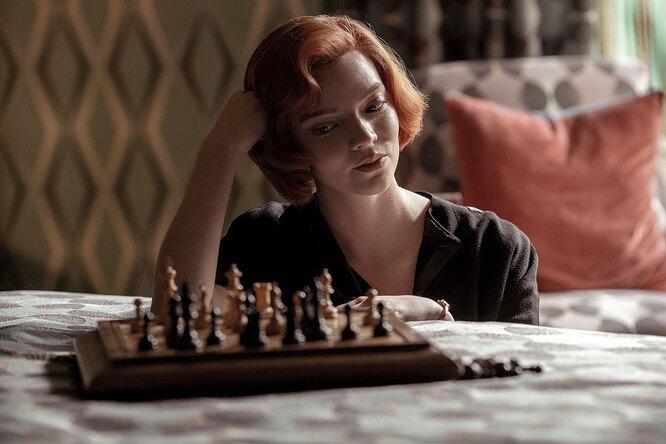 Очень модные 60-е: рассматриваем наряды героини сериала «Ход королевы»