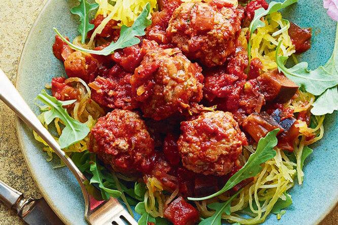 «Спагетти» из цукини с фрикадельками