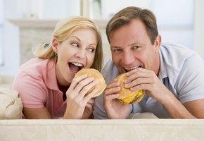 Замужние женщины легче набирают вес (но реже пьют и чаще бросают курить)