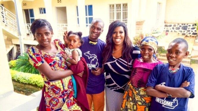 Грейси Харкема и ее семья из США с матерью и братьями