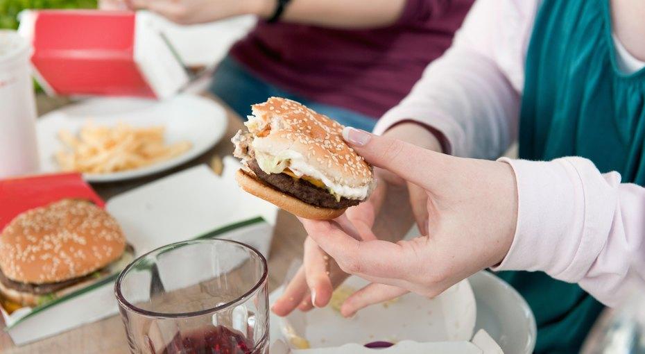 Демотиватор внашей  тарелке: 5 продуктов, которые буквально воруют наш успех