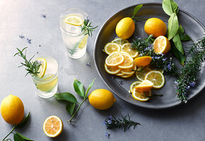 Рецепты звезд: три освежающих напитка от мужа Тутты Ларсен