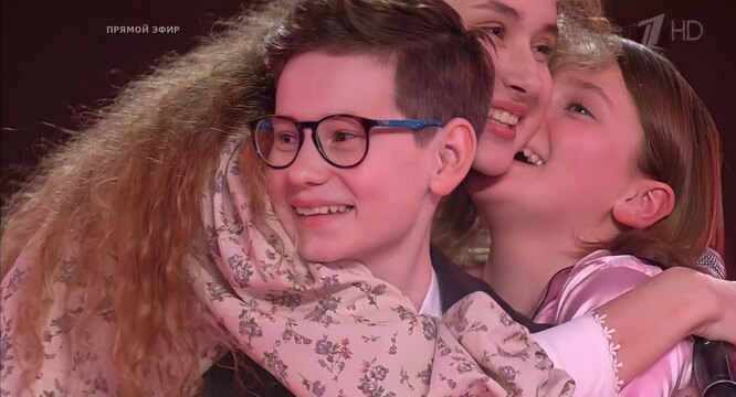 "фото: кадр из шоу ""Голос. Дети"" на Первом канале. Владислав Тюкин"