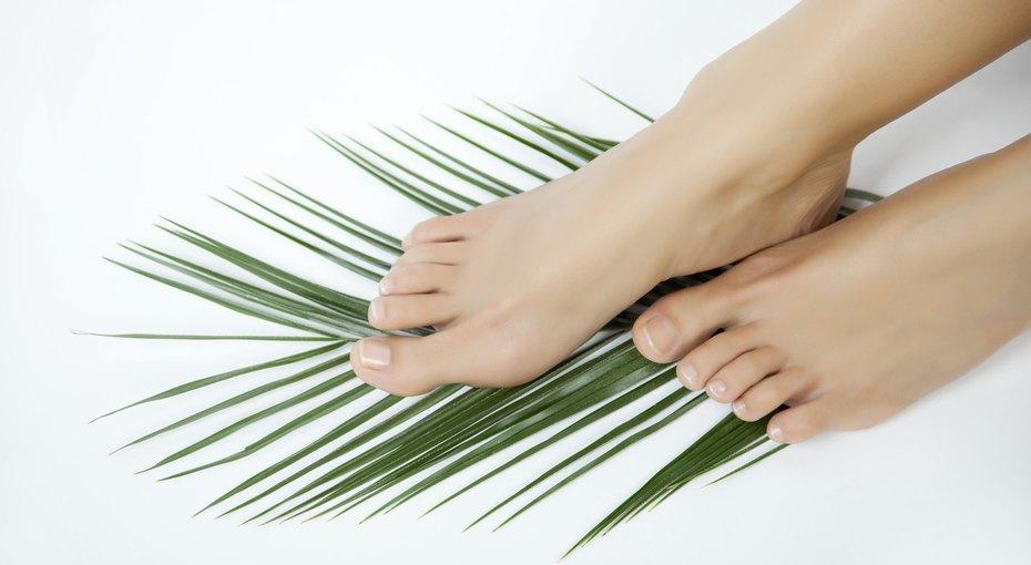 Потеют ноги: простые советы, которые помогут справиться сделикатной проблемой