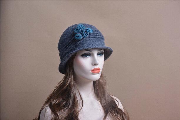 Зимняя шапка для женщин из фетра и войлока