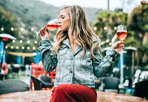 Осознанный подход к алкоголю: новый зож-тренд шагает по планете