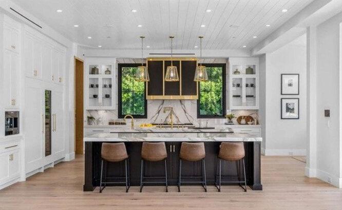 Дизайнеры призывают воспринимать кухню не просто как помещение для приготовления еды, а как место для отдыха души