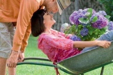 Как поднять мужа сдивана? Реальные вопросы читательниц иответы психолога