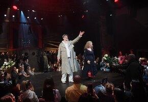 В Театре на Таганке из-за женщины в неправильно надетой маске вызвали полицию