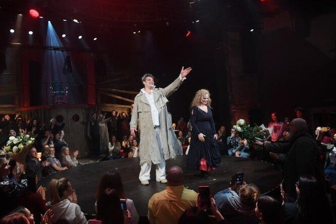 В Театре наТаганке из-за женщины внеправильно надетой маске вызвали полицию