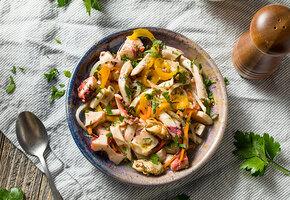 Рецепты звезд: Дмитрий Нагиев готовит салат с морепродуктами