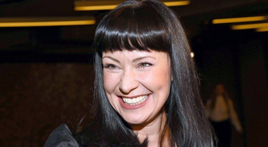 «Шикарная женщина!» 47-летняя Нонна Гришаева продемонстрировала откровенное декольте