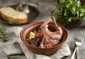 Салат со шпинатом, суп с фрикадельками, жаркое и еще пара рецептов с кроликом