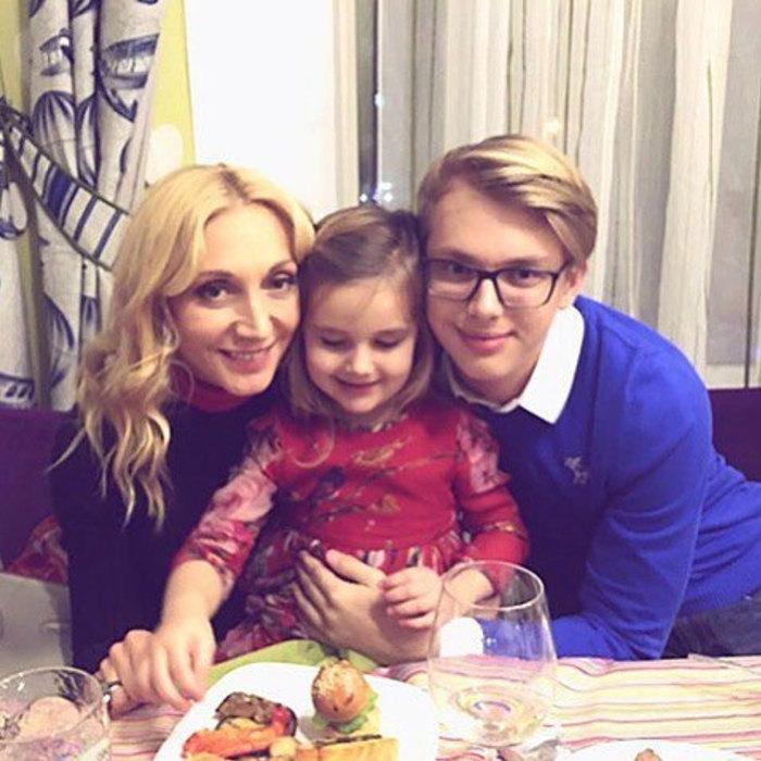 Кристина Орбакайте смладшим сыном идочерью