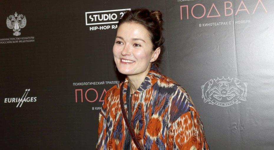 Надежда Михалкова представила свой фильм ивстретилась сбывшим мужем