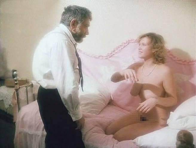 вырезанные эротические кадры из советских фильмов - 12