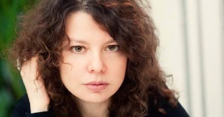 Марта Кетро о самооценке: как быть уверенной в себе и не выглядеть смешной