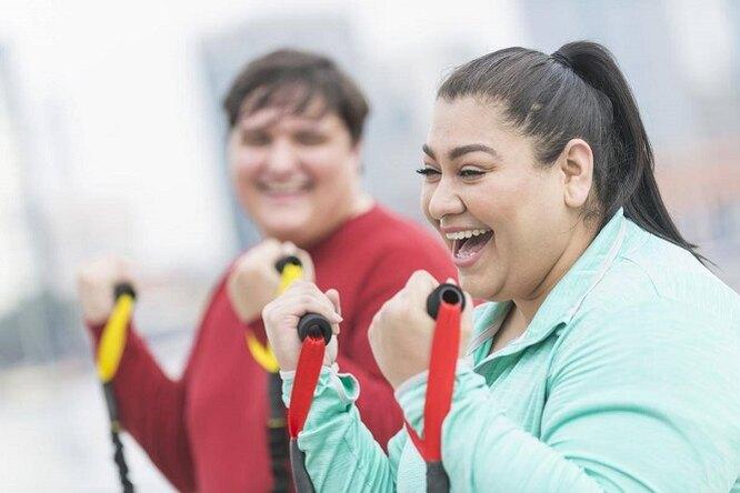 Люди слишним весом счастливее «стройняшек», доказали ученые