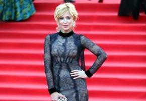 46-летняя актриса Ирина Гринева показала бесконечные ноги