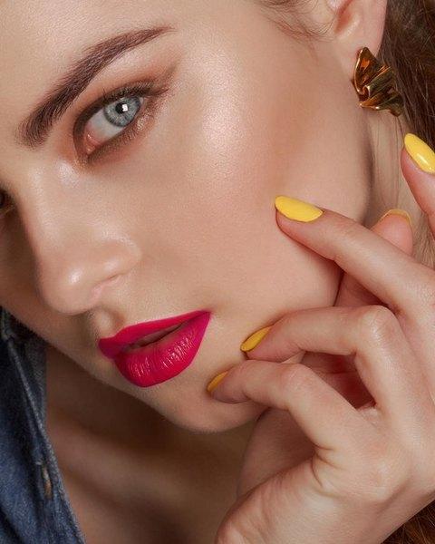 Летние тренды: 5 стильных идей для макияжа на выпускной