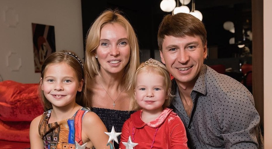 «Грация мамина, импровизация папина»: Алексей Ягудин насмешил поклонников видео смладшей дочерью