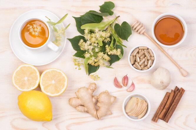 Мазь, чай, смузи: 5 домашних рецептов, которые облегчат состояние приОРВИ