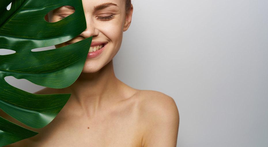 Упражнения дляупругой кожи взоне декольте