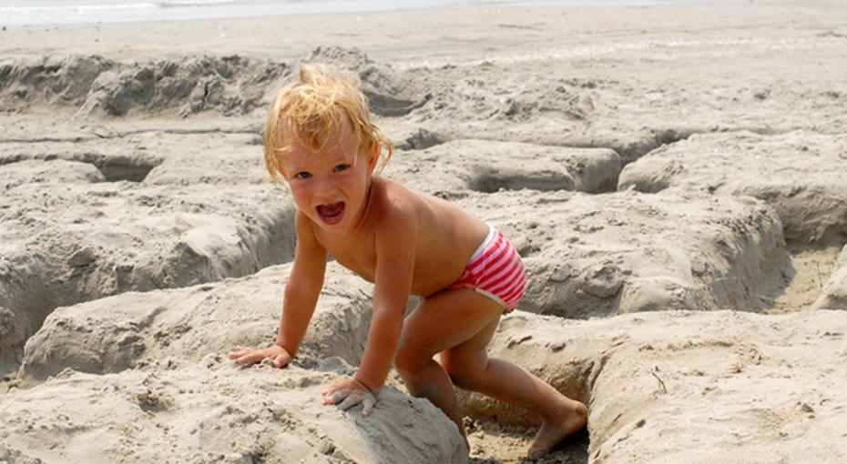 Как устроить супер-песочницу напляже?