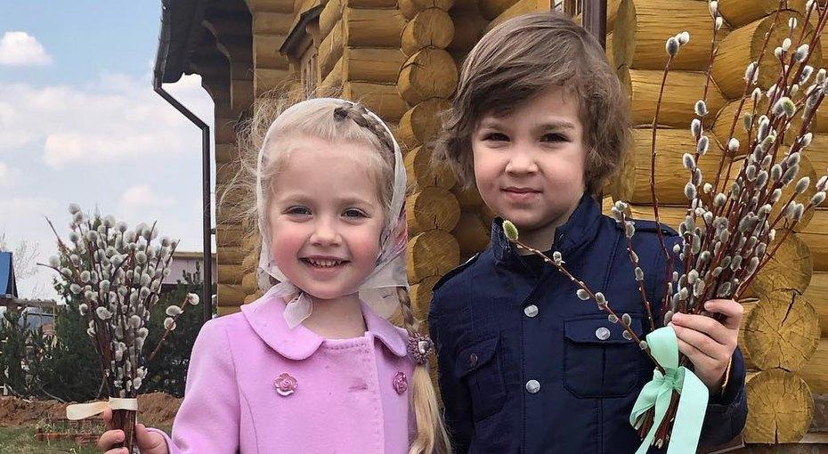 «Спасибо, что подарила нам жизнь»: Лиза иГарри Галкины поздравили Аллу Пугачеву со своим 6-летием (видео)