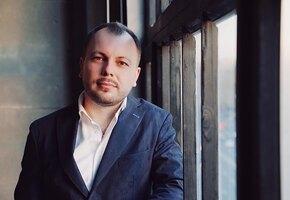«Умница и красавица»: Ярослав Сумишевский выложил трогательное фото с женой
