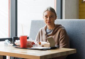Новые сезоны «Бумажного дома» и «Утреннего шоу» и премьеры: сериалы сентября