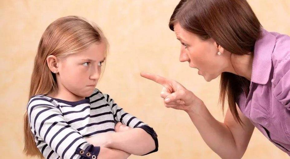 Лучше молчи: 10 фраз, которые нестоит говорить своим детям