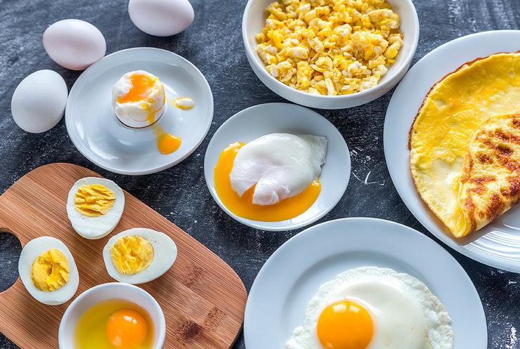 яичница, омлет, болтунья, скрамбл, яйцо вкрутую, яйцо всмятку