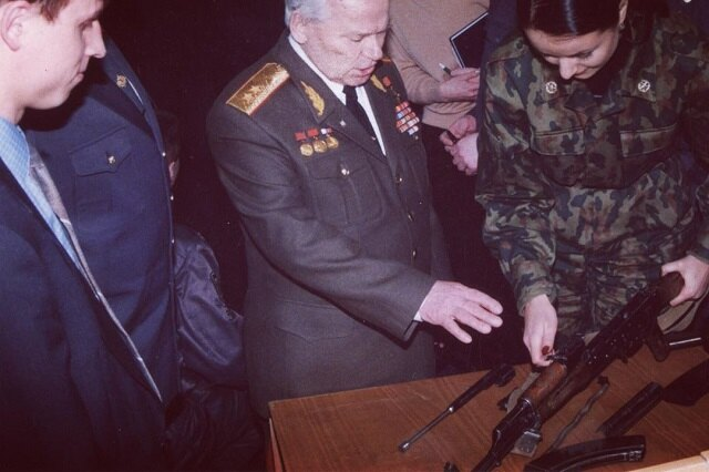 Михаил Калашников и Оксана Федорова