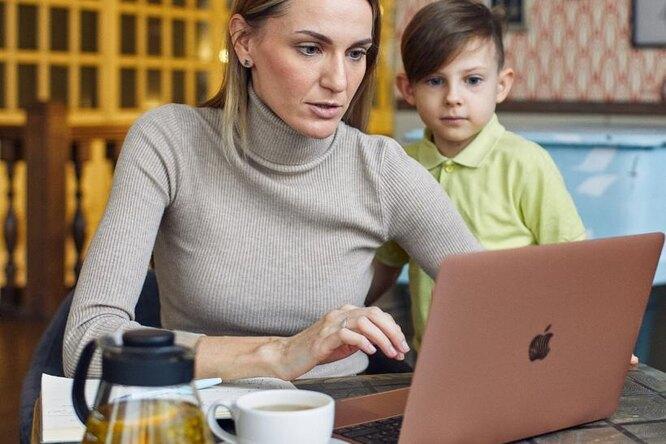 Снова наудаленке: чем занять детей во время работы
