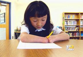 10-летняя девочка, родившаяся без кистей рук, выиграла национальный конкурс правописания