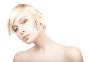А и Б: как работают и зачем нашей коже нужны гидроксикислоты?