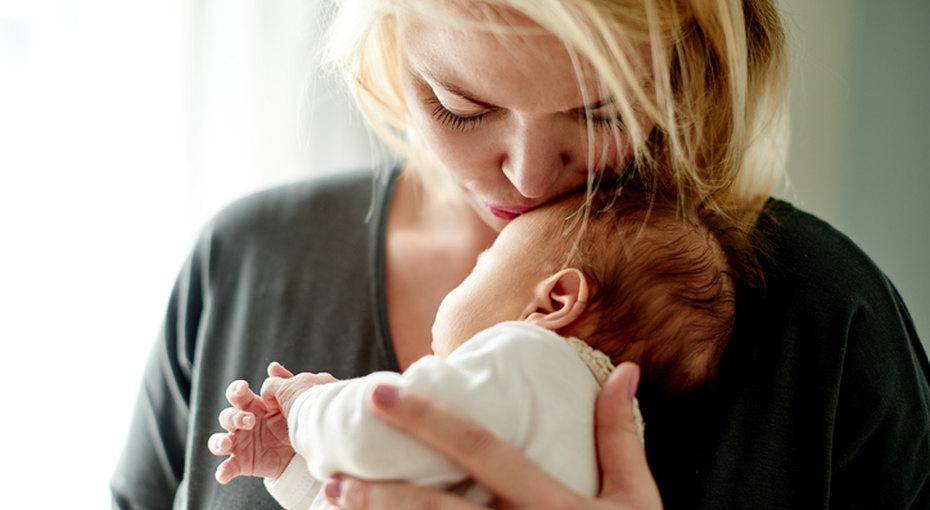 «Мне нужно время»: Блогер рассказала, почему нельзя приходить кмолодой маме безпредупреждения
