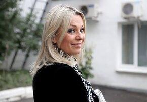 «Какие ножки»: 54-летняя Ирина Салтыкова надела мини