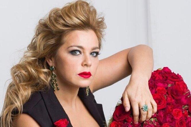 «Манящая исоблазнительная»: Ирина Пегова выложила фото вультракоротком платье