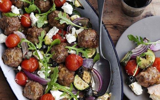 Мясные шарики с овощами