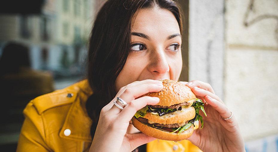 Стресс, усталость идругие причины, почему мы постоянно чувствуем голод