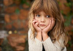 9 стратегий, которые помогут детям пережить развод родителей