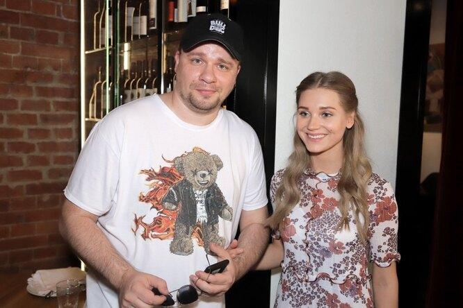 Гарик Харламов показал первое семейное фото сдочкой иКристиной Асмус