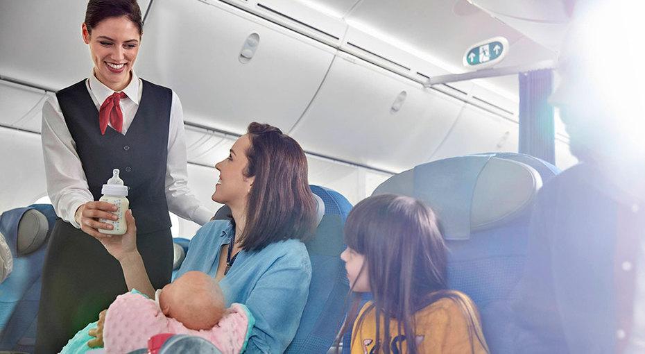Авиаперелет сдетьми: 10 лайфхаков отопытных родителей